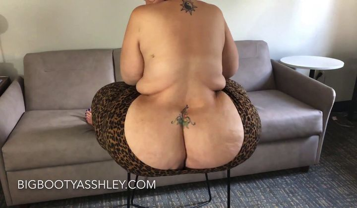 MILF - Asshley Ssbbw Railing Stool 1080p